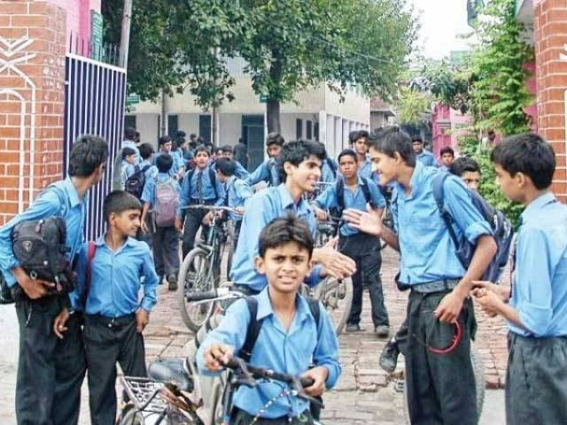 پنجاب کے اسکولوں میں موسم گرما کی تعطیلات 24 مئی سے کرنے کا اعلان