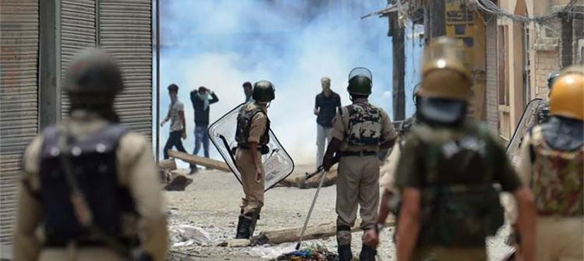 بھارت کشمیر میں عائد پابندیاں ختم اور گرفتار افراد کو رہا کرے: ہیومن رائٹس واچ