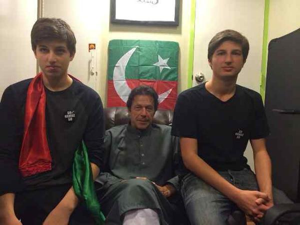 عمران خان کا بڑا بیٹا سلیمان بھی سیاست میں آ گیا