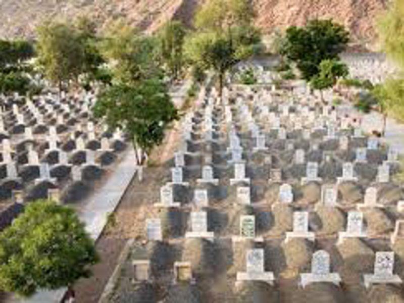 یمن جنگ میں ہلاکتیں،قبرستان کم پڑگئے،ایک قبر کی قیمت ایک لاکھ ریال ہوگئی