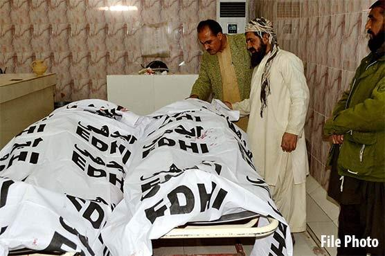 کراچی، کلفٹن میں گھر سے باپ بیٹے کی لاشیں برآمد