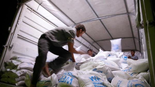 شام : دو محاصرہ زدہ قصبوں میں چار سال بعد امدادی سامان کی ترسیل