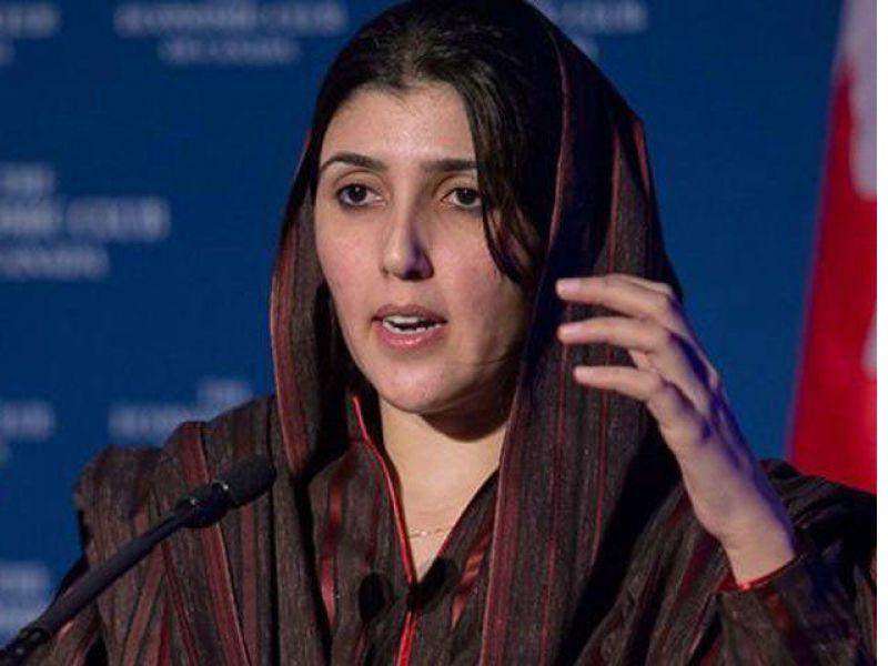 عمران خان کو 2نمبر پٹھان کہنے پر عائشہ گلالئی کو پچاس لاکھ روپے ہرجانے کانوٹس