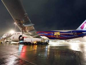 قطرایئرویز پر دوران پرواز باپ اوربیٹے نے عملے سے جھگڑے کے بعد جہاز کا شیشہ توڑدیا
