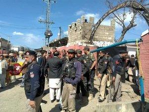 چارسدہ کی عدالت پر دہشتگردوں کے حملے میں 7 افراد شہید، متعدد زخمی